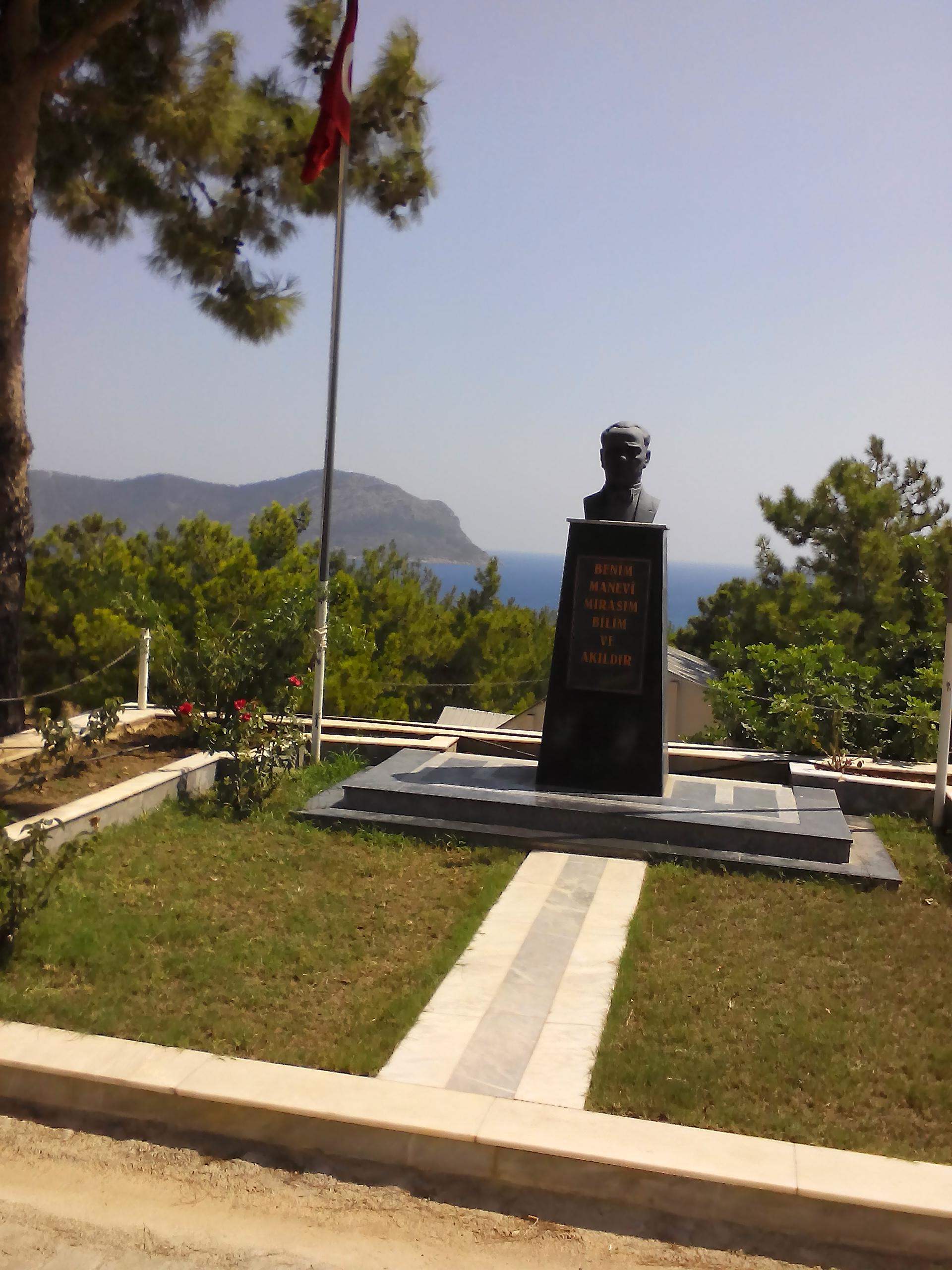 Bust of Atatürk on main avenue.